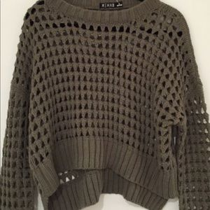Super Cute Olive Green LS Cropped Sweater SZ S